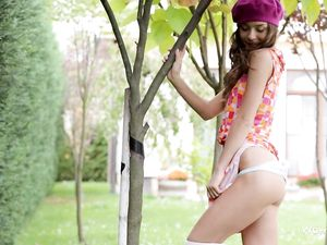 Cute Ass And Pussy Flashing Teen Outdoors