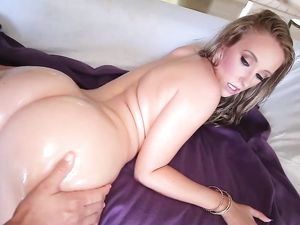 Big Oiled Up Butt On A Fuckable Blonde Babe