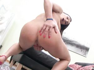 High Heels Teen Fucking A Long And Thick Dildo