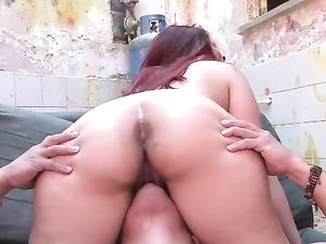 Slutty Latina Girl Fucking In An Abandoned Building