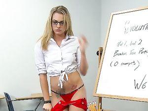 School Slut Seduces The Gym Teacher For A Good Fucking