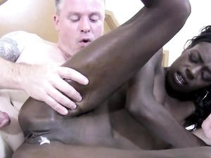 Amazing Black Teen Sucking And Fucking A White Dong