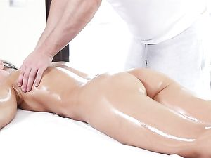 Massage Therapist Gets His Long Dong Wet